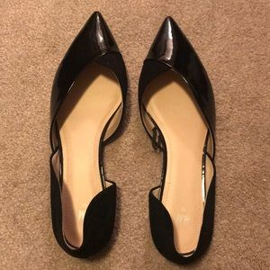 H&M black shiny and suede pointy toe flats